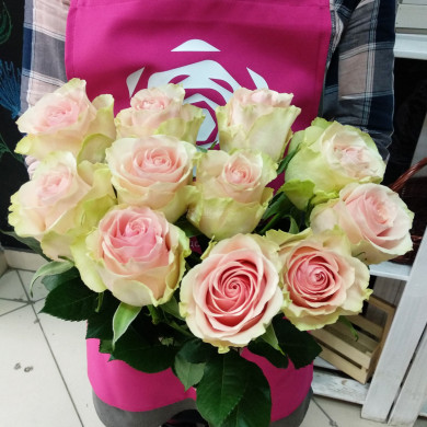 """11 роз сорта """"Эсперанса"""""""