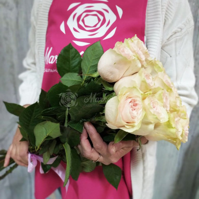 Букет роз сорта Фрутетто